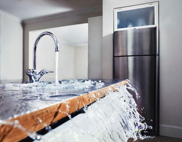 Кто составляет акт о затоплении квартиры и что в нем указывать?