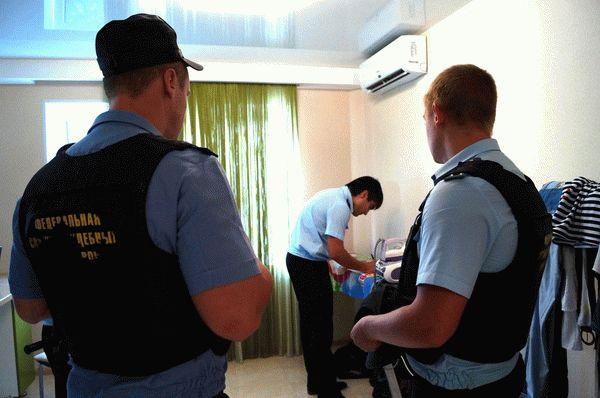 Арест имущества должника судебными приставами: основания и исключения