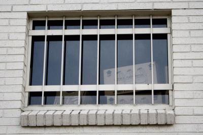 Квартира на первом этаже - плюсы и минусы, отзывы, где купить, как утеплить пол, покупать ли квартиру на первом этаже?
